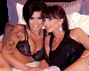 Live lesbians Catalina Cruz and Eva Angelina
